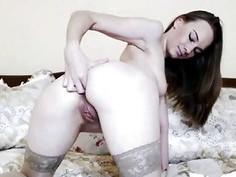 Seductive Pretty Babe Get Naked and Masturbate